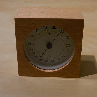 無印良品 ブナ材温湿度計